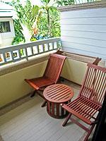 プーケット ファミリー&グループのホテル : ホリデーイン リゾート プーケット(Holiday Inn Resort Phuket)のブサコン ヴィラ プール アクセスルームの設備 Balcony
