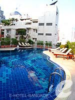 Swimming Pool : Hope Land Executive Serviced Apartment, Sukhumvit, Phuket