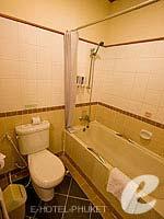 プーケット パトンビーチのホテル : ホライゾン パトン ビーチ リゾート & スパ(Horizon Patong Beach Resort Hotel)のデラックス(シングル)ルームの設備 Bathroom