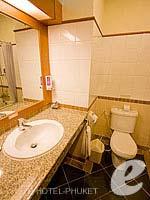プーケット パトンビーチのホテル : ホライゾン パトン ビーチ リゾート & スパ(Horizon Patong Beach Resort Hotel)のデラックス(ツイン/ダブル)ルームの設備 Bathroom