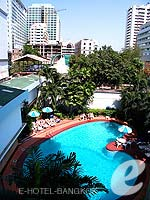 Swimming PoolHotel Manhattan Bangkok