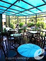 Terrace Cafe / Manhattan Bangkok Hotel, น้อยกว่า1500บาท