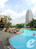 Swimming Pool / Hotel Windsor Suites Bangkok,
