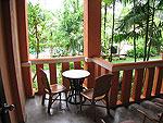 プーケット ファミリー&グループのホテル : ハイトン リーラヴァディ リゾート(Hyton Leelavadee Resort)のスーペリア(シングル)ルームの設備 Balcony