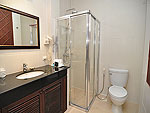 プーケット ファミリー&グループのホテル : ハイトン リーラヴァディ リゾート(Hyton Leelavadee Resort)のファミリー スイート2ルームの設備 Bath Room