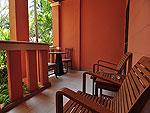 プーケット ファミリー&グループのホテル : ハイトン リーラヴァディ リゾート(Hyton Leelavadee Resort)のデラックス(シングル)ルームの設備 Balcony