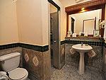 プーケット ファミリー&グループのホテル : ハイトン リーラヴァディ リゾート(Hyton Leelavadee Resort)のデラックス(シングル)ルームの設備 Bath Room