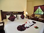 プーケット ファミリー&グループのホテル : ハイトン リーラヴァディ リゾート(Hyton Leelavadee Resort)のコテージ(ツイン/ダブル)ルームの設備 Bedroom