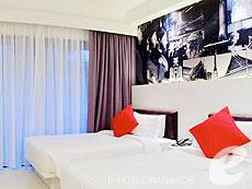 バンコク スクンビットのホテル : アルマニ ホテル スクンビット 11 バイ アンダクラ(Armoni Hotel Sukhumvit11 By Andacura)のお部屋「プレミア デラックス バルコニー」