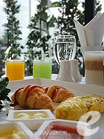 Breakfast Restaurant : i Residence, Fitness Room, Phuket