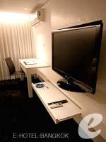 バンコク ファミリー&グループのホテル : アイ レジデンス(i Residence)のエグゼクティブ デラックスルームの設備 LCD TV
