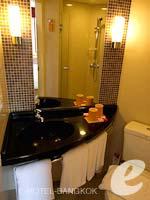 バンコク スクンビットのホテル : アイビス バンコク ナナ(Ibis Bangkok Nana)のスタンダードルームツイン/ダブルルームの設備 Bathroom