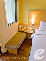 パタヤ ノースパタヤのホテル : アイビス パタヤ(Ibis Pattaya)のスタンダード ルームルームの設備 Sitting Area