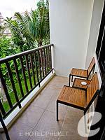 プーケット ファミリー&グループのホテル : アイビス プーケット カタ(Ibis Phuket Kata)のファミリー ルームルームの設備 Balcony