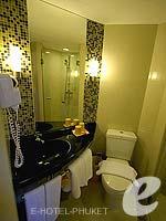 プーケット 5,000~10,000円のホテル : アイビス プーケット パトン(Ibis Phuket Patong)のファミリールームの設備 Balcony