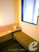 サムイ島 5,000円以下のホテル : アイビス サムイ ボプット(Ibis Samui Bophut)のスタンダードルームの設備 Sitting Area
