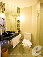 サムイ島 5,000円以下のホテル : アイビス サムイ ボプット(Ibis Samui Bophut)のスタンダードルームの設備 Bathroom