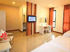 チェンマイ ナイトバザール周辺のホテル : イム ホテル ターペー チェンマイ(1)のお部屋「トリプル」