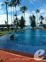 Pathway : Imperial Boat House Beach Resort, USD 50-100, Phuket