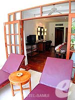 サムイ島 チョンモーンビーチのホテル : インペリアル ボートハウス ビーチ リゾート(Imperial Boat House Beach Resort)のプレミアルームの設備 Terrace