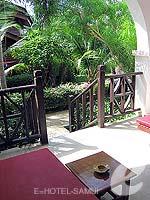 サムイ島 チョンモーンビーチのホテル : インペリアル ボートハウス ビーチ リゾート(Imperial Boat House Beach Resort)のハネムーンスイートルームの設備 Terrace