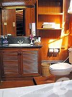 サムイ島 チョンモーンビーチのホテル : インペリアル ボートハウス ビーチ リゾート(Imperial Boat House Beach Resort)のボートスイートルームの設備 Bath Room