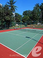 Tennis Court : Sheraton Samui Resort, Beach Front, Phuket