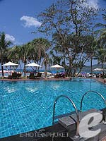 Swimming Pool : Impiana Phuket Patong, Ocean View Room, Phuket