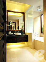 プーケット カップル&ハネムーンのホテル : インピアナ プーケット パトン(Impiana Phuket Patong)のジュニア スイートルームの設備 Bath Room