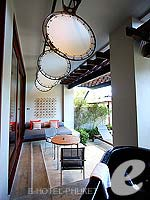 プーケット ヴィラコテージのホテル : ザ スレート(The Slate)のプール パヴィリオンルームの設備 Terrace