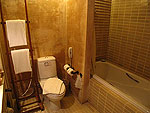 サムイ島 インターネット接続(無料)のホテル : アイヤラ ビーチ ホテル & プラザ(Iyara Beach Hotel & Plaza)のスーペリア ルームルームの設備 Balcony
