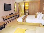 サムイ島 インターネット接続(無料)のホテル : アイヤラ ビーチ ホテル & プラザ(Iyara Beach Hotel & Plaza)のデラックスルームの設備 Bedroom