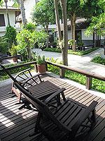 サムイ島 インターネット接続(無料)のホテル : アイヤラ ビーチ ホテル & プラザ(Iyara Beach Hotel & Plaza)のカバナルームの設備 Terrace