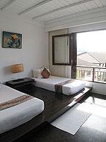 サムイ島 インターネット接続(無料)のホテル : アイヤラ ビーチ ホテル & プラザ(Iyara Beach Hotel & Plaza)のスイートルームの設備 Second Bedroom