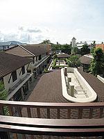 サムイ島 インターネット接続(無料)のホテル : アイヤラ ビーチ ホテル & プラザ(Iyara Beach Hotel & Plaza)のスイートルームの設備 Balcony