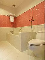 サムイ島 10,000~20,000円のホテル : ジャマキリ スパ & リゾート (Jamahkiri Resort & Spa)のデラックス ルームルームの設備 Bathroom