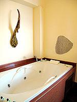 サムイ島 10,000~20,000円のホテル : ジャマキリ スパ & リゾート (Jamahkiri Resort & Spa)のデラックス パビリオンルームの設備 Bathroom