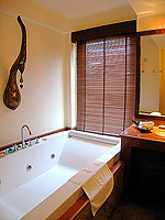 サムイ島 10,000~20,000円のホテル : ジャマキリ スパ & リゾート (Jamahkiri Resort & Spa)のファミリー スイート パビリオンルームの設備 Bathroom
