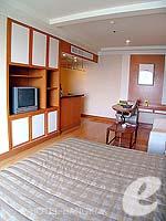 バンコク サービスアパートのホテル : ジャスミン シティ ホテル(Jasmine City Hotel)のデラックスルームの設備 Bedroom