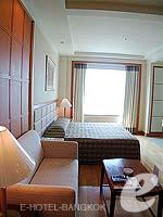 バンコク サービスアパートのホテル : ジャスミン シティ ホテル(Jasmine City Hotel)のデラックスルームの設備 Living Area