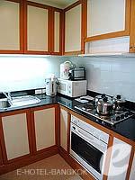 バンコク サービスアパートのホテル : ジャスミン シティ ホテル(Jasmine City Hotel)のエグゼクティブ ジャグジー スイートルームの設備 Kitchen