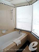 バンコク サービスアパートのホテル : ジャスミン シティ ホテル(Jasmine City Hotel)のエグゼクティブ ジャグジー スイートルームの設備 Bath Room
