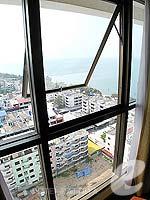 パタヤ ジョムティエンビーチのホテル : ジョムティエン パーム ビーチ(Jomtien Palm Beach)のスーペリア/メイン ウイングルームの設備 View from window