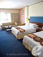 パタヤ ジョムティエンビーチのホテル : ジョムティエン パーム ビーチ(Jomtien Palm Beach)のデラックス/メイン ウイングルームの設備 Bedroom