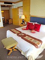 パタヤ ジョムティエンビーチのホテル : ジョムティエン パーム ビーチ(Jomtien Palm Beach)のスイート/メイン ウイングルームの設備 Bedroom