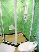 パタヤ ジョムティエンビーチのホテル : ジョムティエン パーム ビーチ(Jomtien Palm Beach)のスイート/メイン ウイングルームの設備 Bath Room