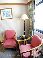 パタヤ ジョムティエンビーチのホテル : ジョムティエン パーム ビーチ(Jomtien Palm Beach)のスーペリア/ジョムティエン ウィングルームの設備 Living Area