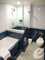 パタヤ ジョムティエンビーチのホテル : ジョムティエン パーム ビーチ(Jomtien Palm Beach)のスーペリア/ジョムティエン ウィングルームの設備 Bath Room