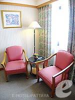 パタヤ ジョムティエンビーチのホテル : ジョムティエン パーム ビーチ(Jomtien Palm Beach)のデラックス/ジョムティエン ウィングルームの設備 Living Area