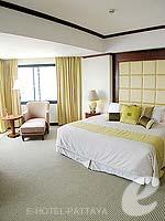 パタヤ ジョムティエンビーチのホテル : ジョムティエン パーム ビーチ(Jomtien Palm Beach)のスイート/ジョムティエン ウィングルームの設備 Bedroom